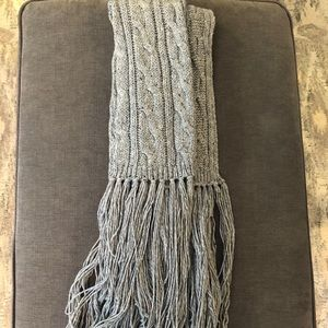 WIldfox Chunky Cable Knit Scarf